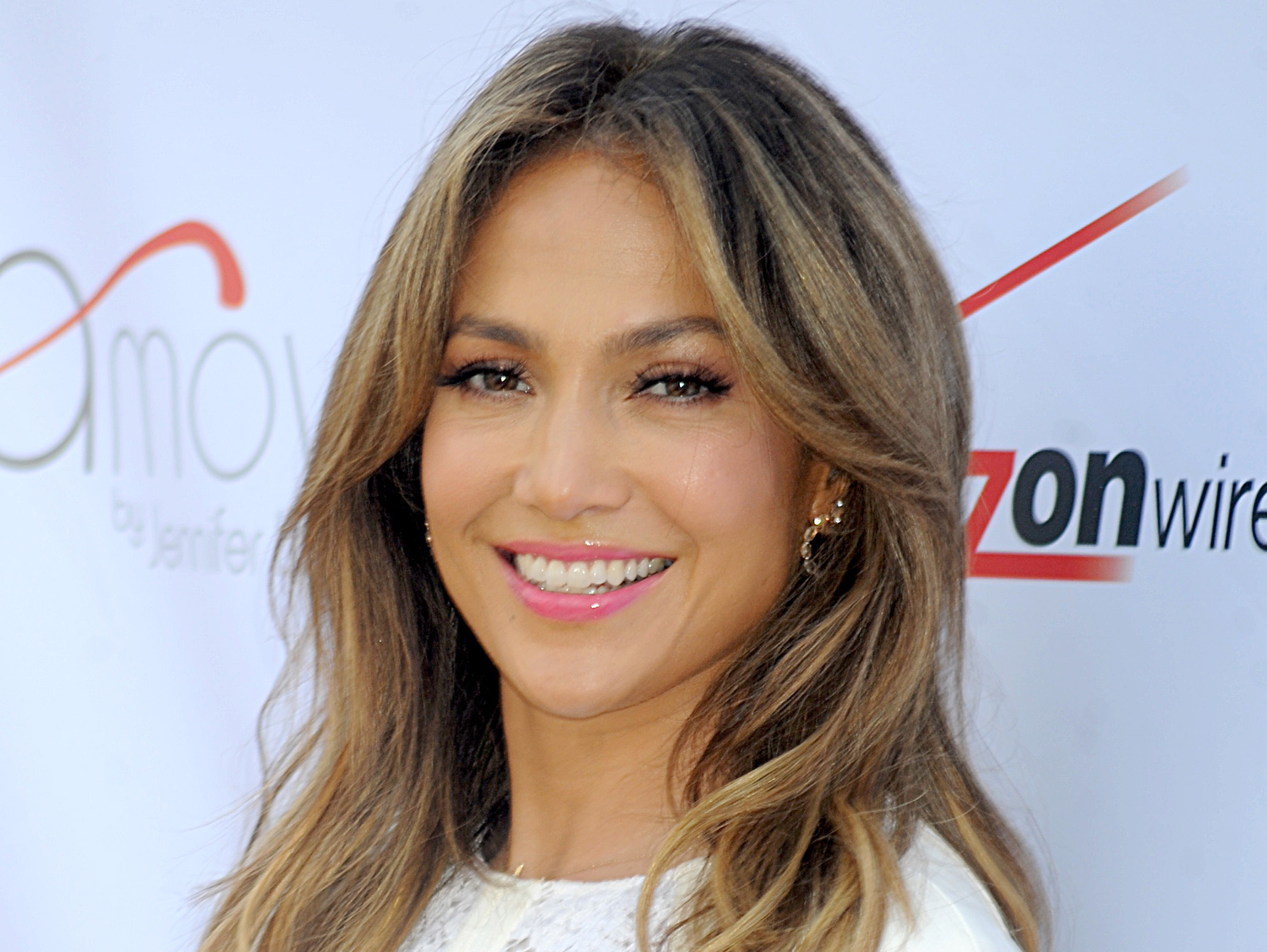 Jennifer Lopez: GET JLO'S NATURAL GLOW WITH THE 111 HARLEY ST MICRO PEN FACIAL